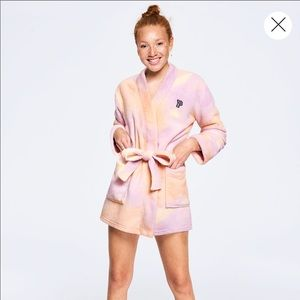 NWT Victoria's Secret Pink Tie Dye Robe Size XS/S
